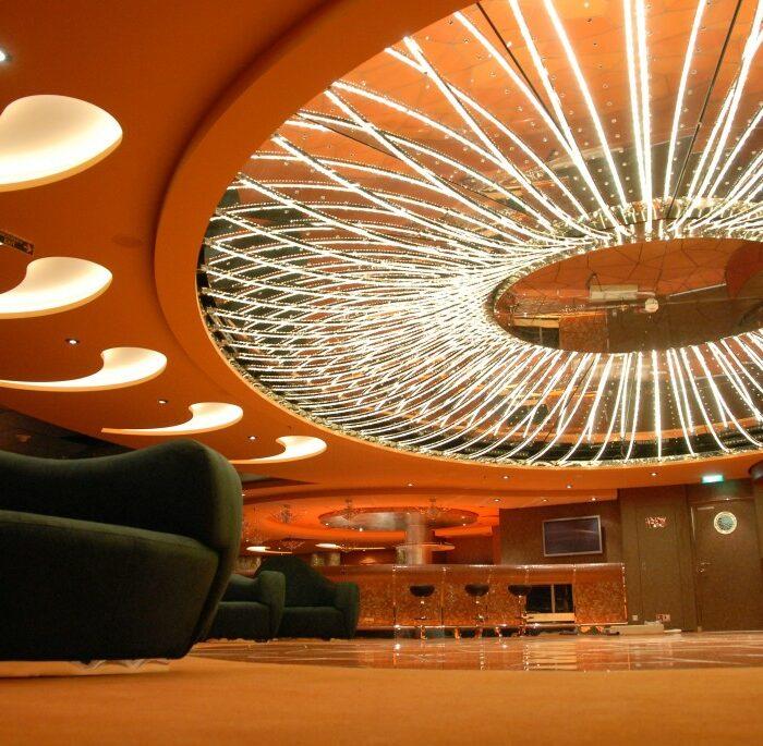 MSC-Fantasia_Insolito-Lounge2-1024x685