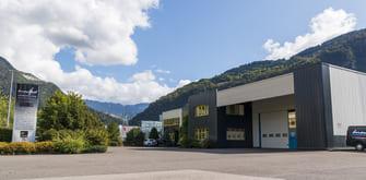 usine-de-production-enseignes-multisite_MONTFORT-a-cluses_reseau-VISIO